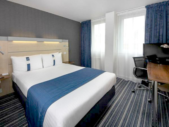 Get a good night's sleep in your comfortable room at Holiday Inn Express Southwark
