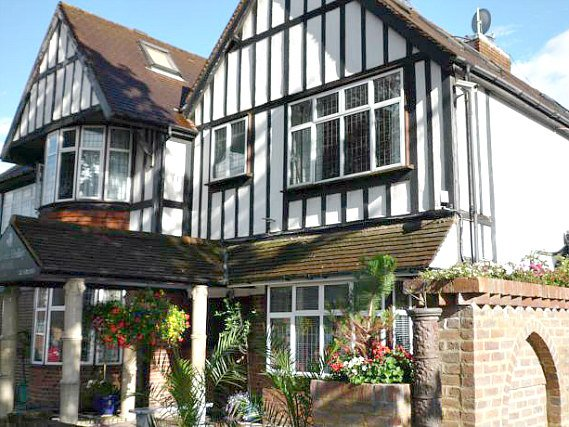 Madonna Halleys Hotel is situated in a prime location in Edgware close to Kenwood House
