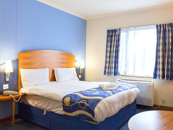 A double room at London Wembley International Hotel is perfect for a couple