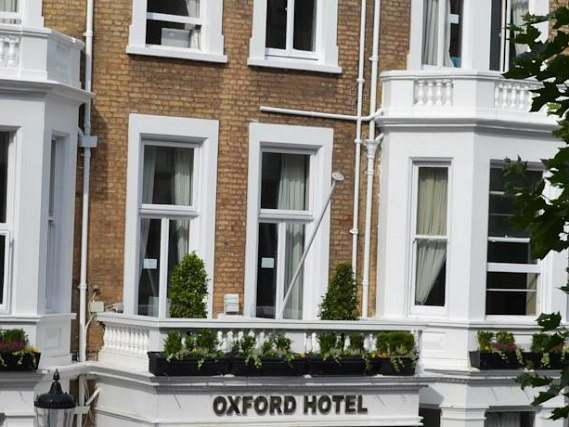 Oxford Hotel London, Außenansicht