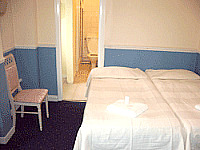 A comfortable Double room at Elizabeth House Hotel London