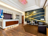 Lidos Hotel London reception