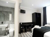 Spacious Double room at Airways Hotel