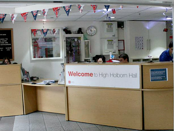Staff at High Holborn Hall speak Spanish and English