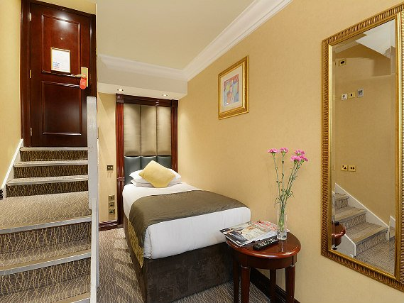 Single rooms at Shaftesbury Premier London Paddington Hotel provide privacy