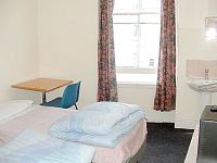 A Twin room at Central Hostel London