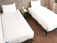 A typical triple room at Comfort Inn London