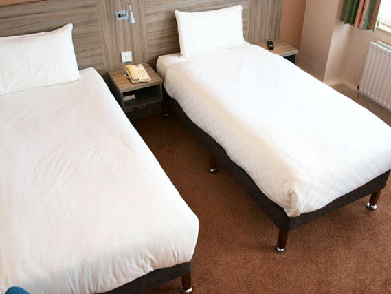 A twin room at Comfort Inn London is perfect for two guests
