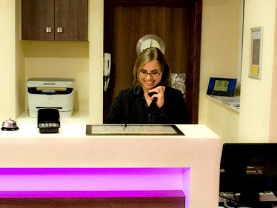 Comfort Inn London has a 24-hour reception so there is always someone to help