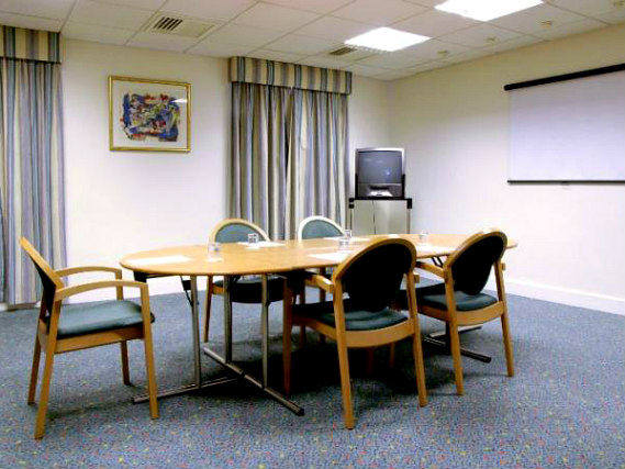 Business guests will appreciate the conference room at Holiday Inn Express Royal Docks