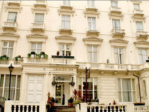 Leisure Inn London is situated in a prime location in Bayswater close to Queensway