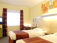 A twin room at Holiday Inn Express Southwark