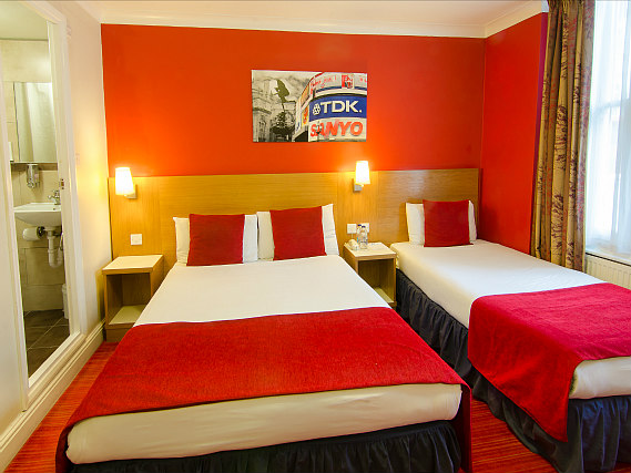 Triple rooms at Comfort Inn London - Westminster are the ideal choice for groups of friends or families