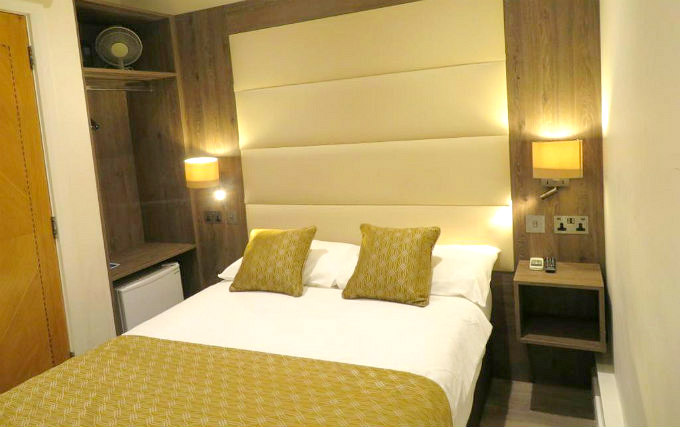 Double Room at Glendale Hyde Park Hotel