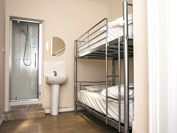 Dormitorio en Barkston Rooms