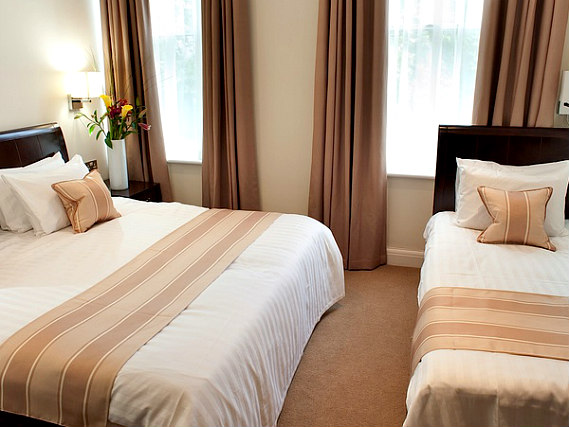 Triple rooms at Abcone Hotel London are the ideal choice for groups of friends or families
