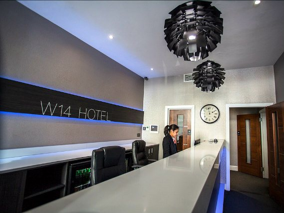 Recepción de The W14 Hotel London