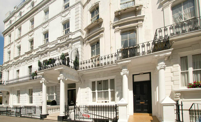 Central Hostel is situated in a prime location in Bayswater