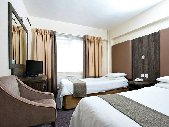 Triple rooms at Hotel Lily are the ideal choice for groups of friends or families