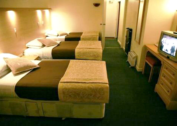 Triple rooms at Osterley Park Hotel are the ideal choice for groups of friends or families