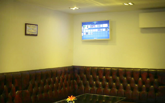 Enjoy your favourite sports on the big TV screen located in the lounge
