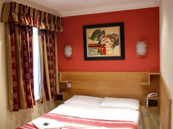 London guest house acton londres r servez sur - Chambre familiale londres ...