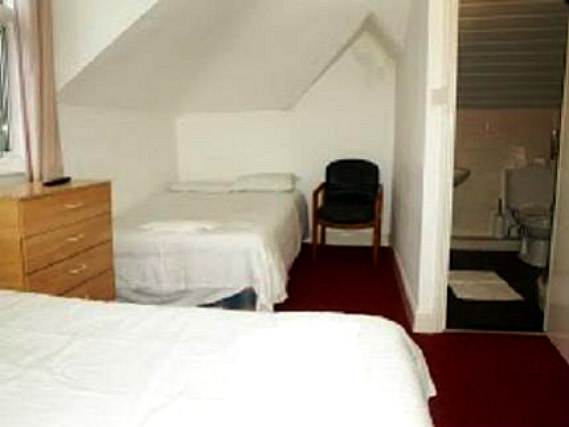 Triple rooms at Amhurst Hotel are the ideal choice for groups of friends or families