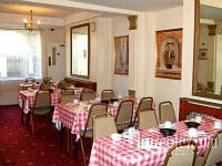 The breakfast room at Blair Victoria and Tudor Inn Hotel - beat the rush and get a great start to your day with a tasty breakfast