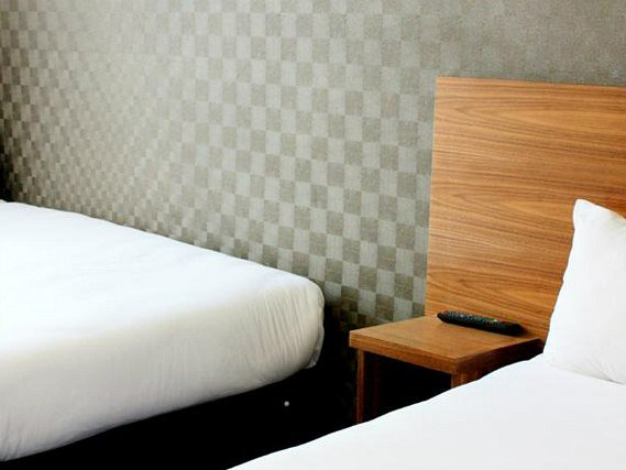Triple rooms at Park Hotel London are the ideal choice for groups of friends or families