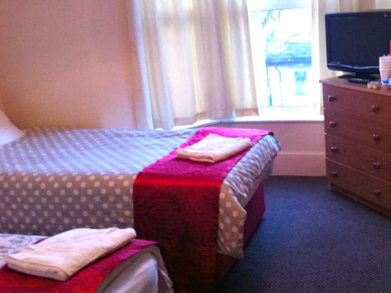 Quad room at Stratford Hotel London