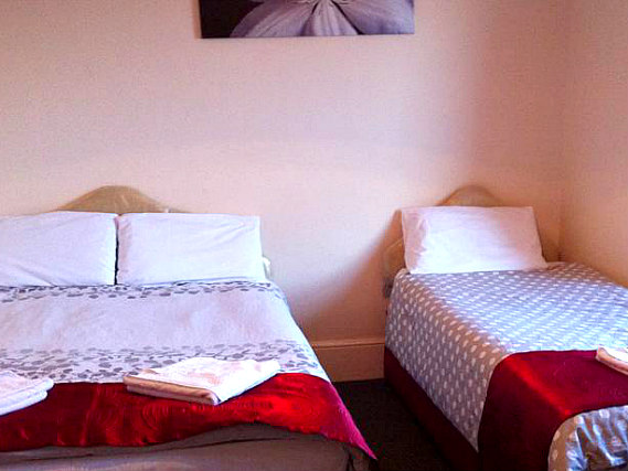 Triple rooms at Stratford Hotel London are the ideal choice for groups of friends or families