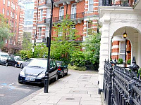 Wigram House is based in a great neighbourhood for your stay in London