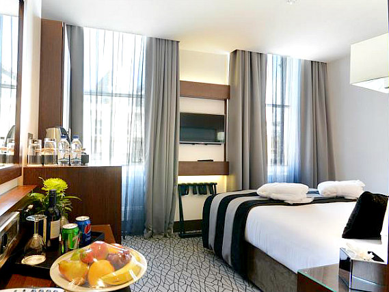 Get a good night's sleep in your comfortable room at Best Western Paddington Court Suites