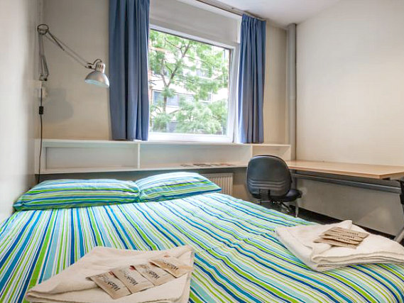 Get a good night's sleep in your comfortable room at Carr-Saunders Hall
