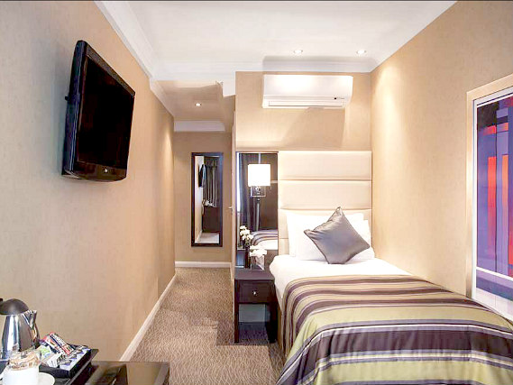 Single rooms at Shaftesbury Premier London Hyde Park Hotel provide privacy