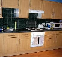 Cowgate Tourist Hostel - kitchen to save you money on meals!