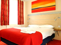 A typically modern and recently renovated Double room Comfort Inn Edgware Road