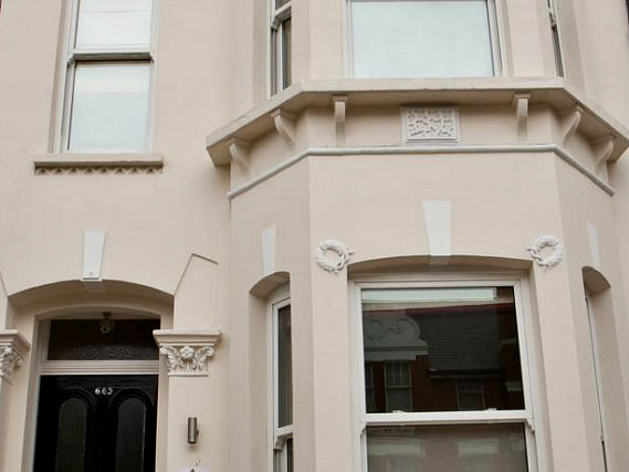 Clapham Guest House is situated in a prime location in Clapham close to Stockwell Skate Park