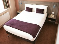 A Typical Double Room at Comfort Inn SW8