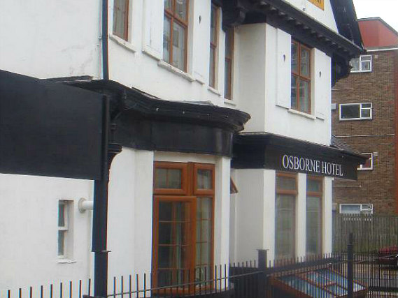 Osborne Hotel is situated in a prime location in Acton close to Acton Town Tube Station
