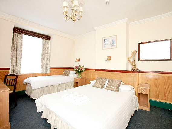 Triple rooms at Lincoln House Hotel are the ideal choice for groups of friends or families