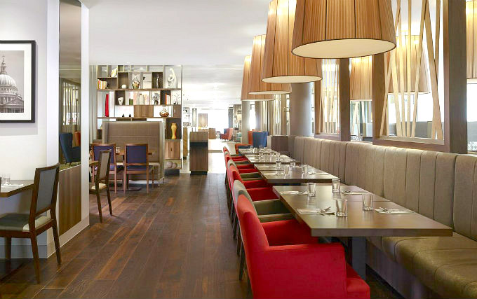 Relax and enjoy your meal in the Dining room at DoubleTree by Hilton London Angel Kings Cross