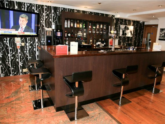 Bar at Best Western Palm Hotel London
