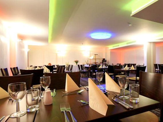 A place to eat at Best Western Palm Hotel London