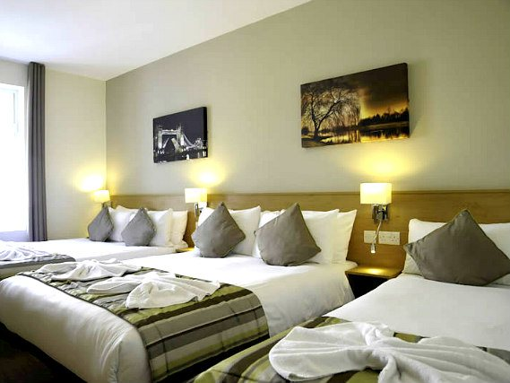 Family rooms at the Kings Cross Inn Hotel are great value for money allowing you to spend more exploring London
