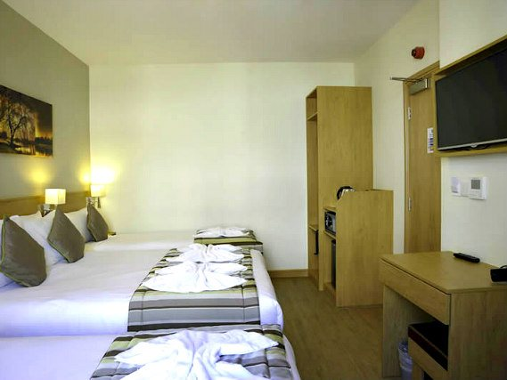 Quad room at Kings Cross Inn Hotel