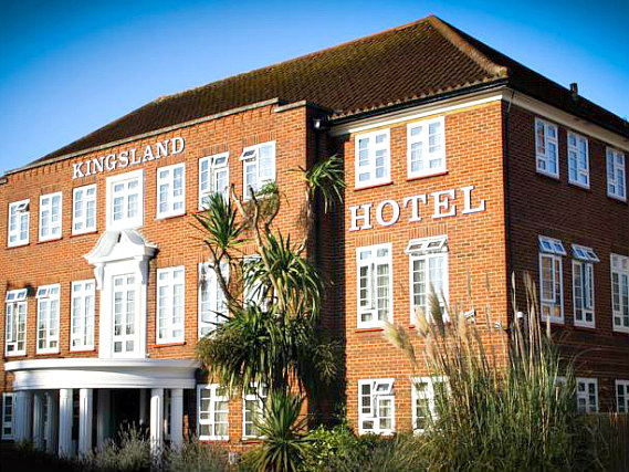 Kingsland Hotel is situated in a prime location in Kingsbury