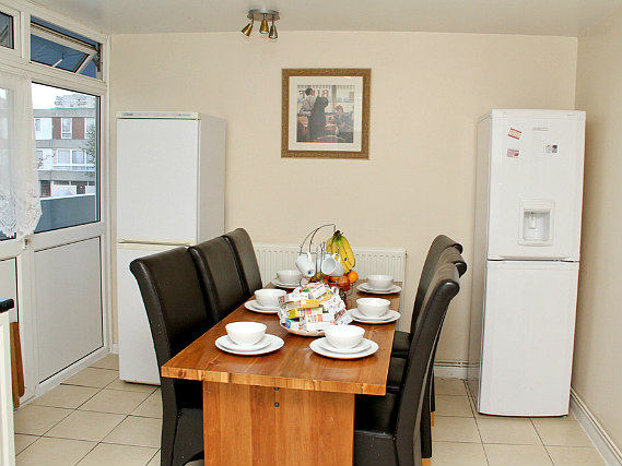 Get your day off to a great start with a continental breakfast at Julius Lodge Thamesmead