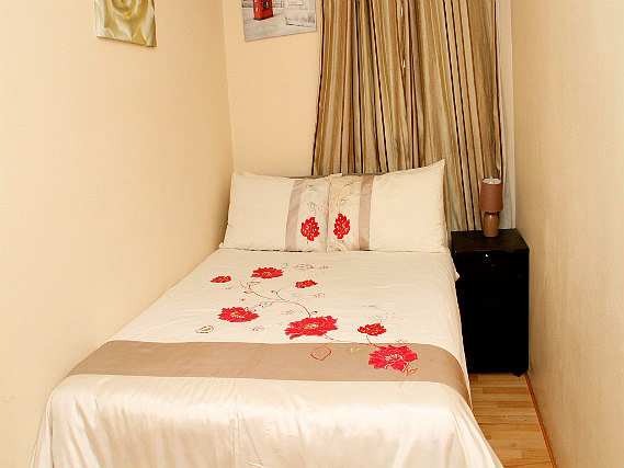 Get a good night's sleep in your comfortable room at Julius Lodge Thamesmead