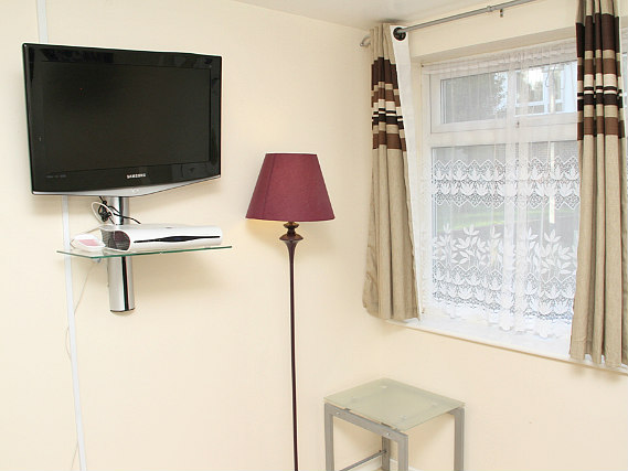 Rooms are simple but clean at Julius Lodge Thamesmead